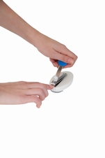 Klein nagelschaartje op blok